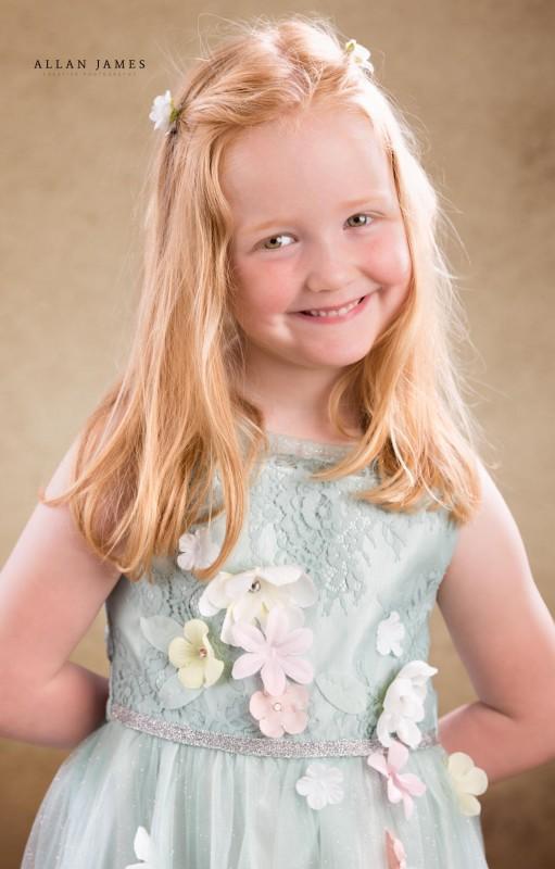 Beautiful-children's-photography-Wales-Llanharan-Cowbridge-Maesteg-Allan-James-Wales