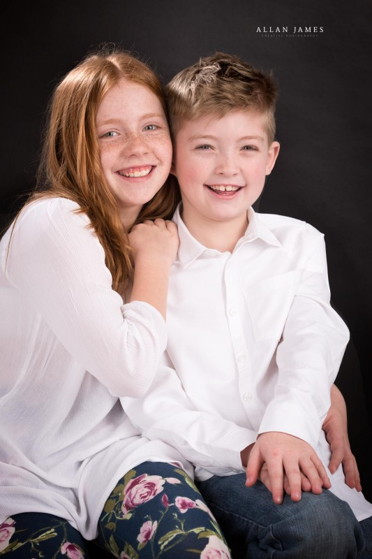 Brother-and-sister-family-children-portrait-bridgend-cardiff-swansea-porthcawl-photographer