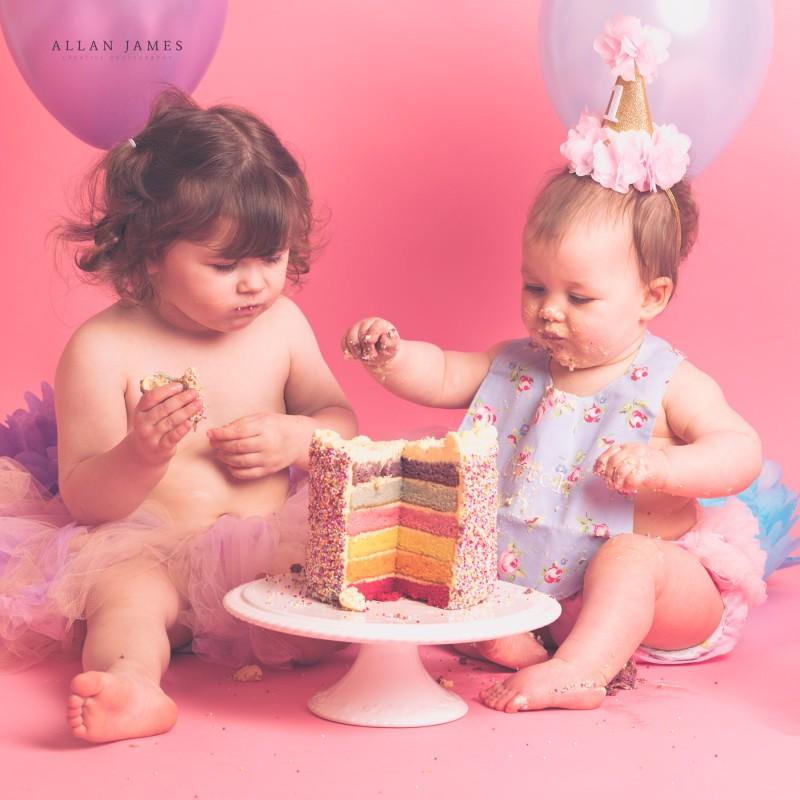 Cake-Smash-photographer-Bridgend-Porthcawl-siblings-South-Wales-