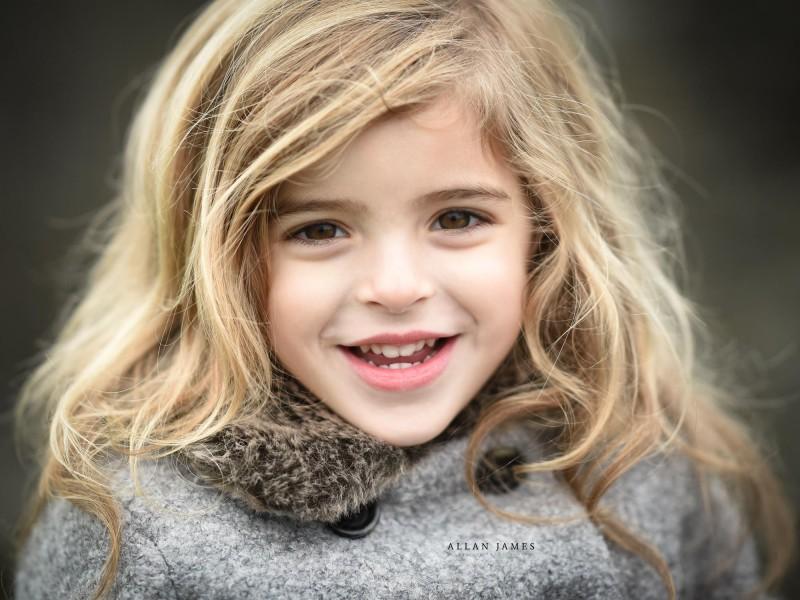Children's-photographer-Bridgend-Cardiff-Swansea-Cowbridge-Porthcawl-Pencoed-Allan-James-children-family-photographer