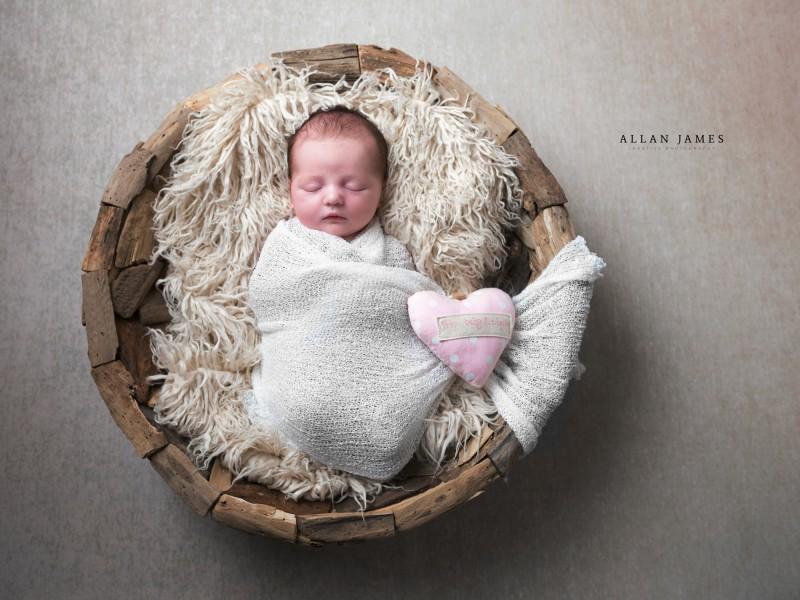Newborn-Baby-photographer-Bridgend-Cardiff-Swansea-Porthcawl-llantrisant-Pontyclun-Pencoed-Cowbridge