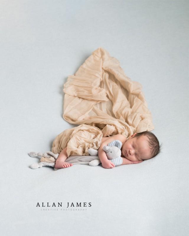 Newborn-Baby-photography-Bridgend-Cardiff-Swansea-Cowbridge-llantrisant-porthcawl