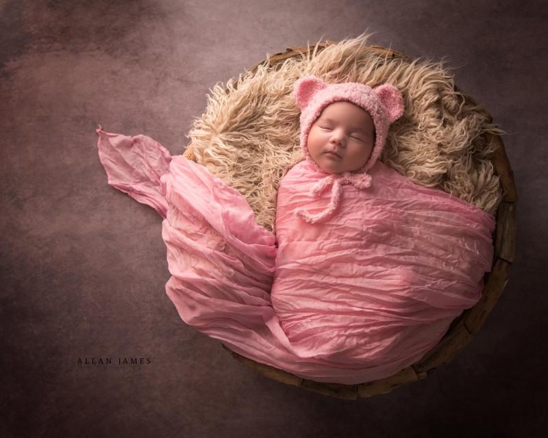 Newborn-baby-photographer-Bridgend-Porthcawl-Cowbridge-Cardiff-Swansea-llantrisant