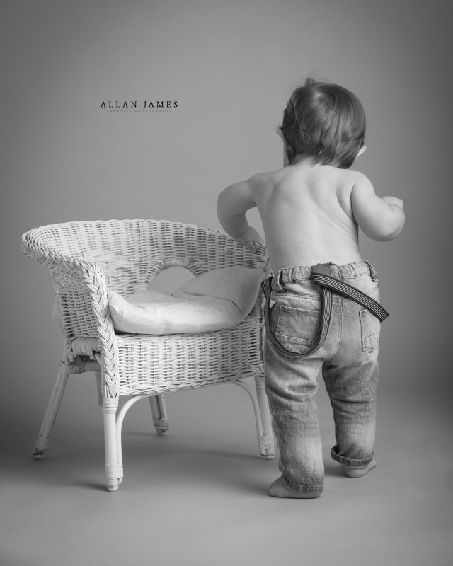Sitter-Toddler-Children-photographer-Bridgend-Porthcawl-Cowbridge-Cardiff-Swansea-llantrisant